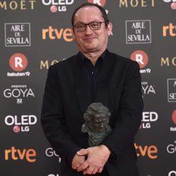 Pascal Gaigne posa con su galardón en los Premios Goya 2018