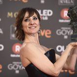 Nathalie Poza con el premio Goya 2018 a Mejor actriz