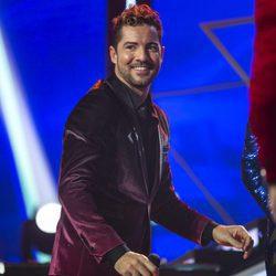 David Bisbal saluda al final de la gala de 'OT 2017' donde no pudo cantar