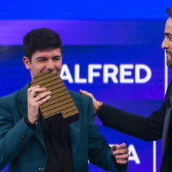 Alfred recibe el premio de cuarta finalista de 'OT 2017'