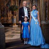 Foto oficial del Rey Carlos Gustavo, Victoria de Suecia y la Princesa Estela por el 200 aniversario de la dinastía Bernardotte