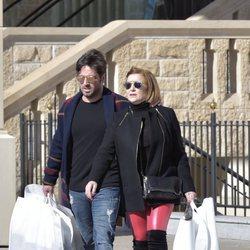 David Bustamante, de compras con su madre por Madrid