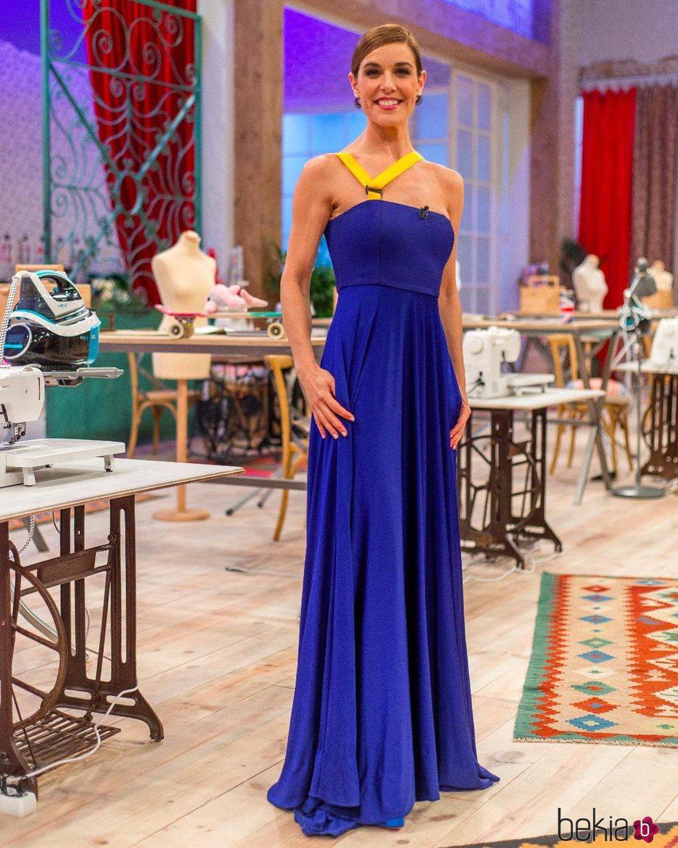 Raquel Sánchez Silva con un vestido de David Delfín en el programa 'Maestros de la Costura'