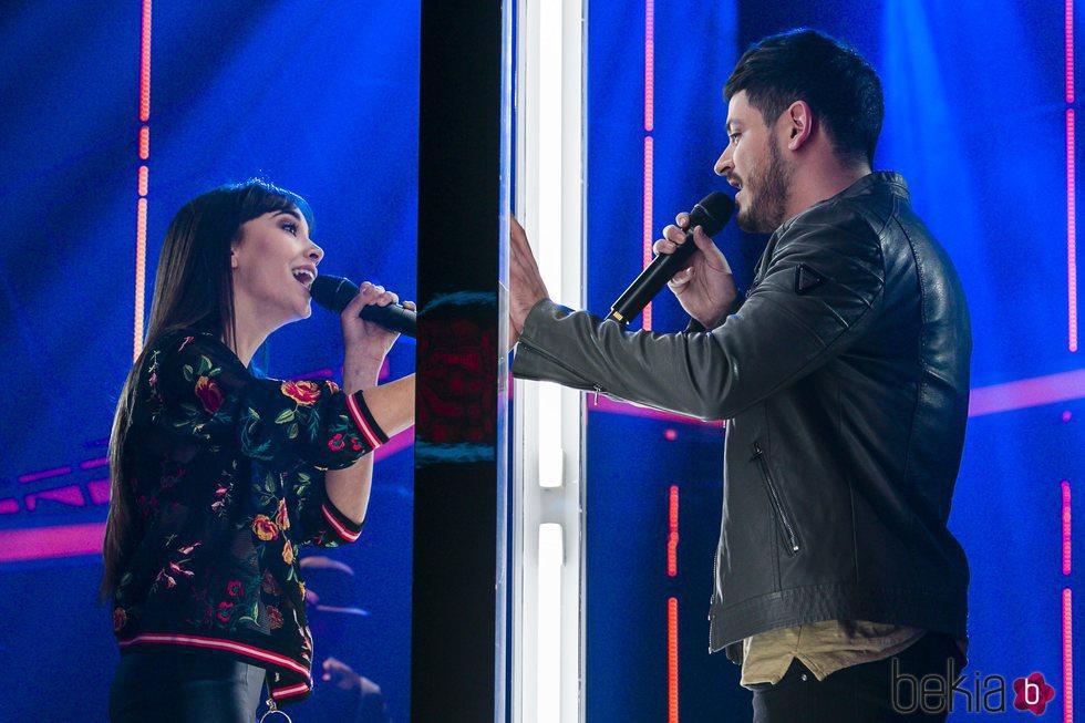 Aitana y Cepeda interpretan 'No puedo vivir sin ti' en la fiesta final de 'OT 2017'