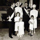 Margarita y Enrique de Dinamarca con los Reyes de Suecia y sus hijos Victoria, Carlos Felipe y Magdalena