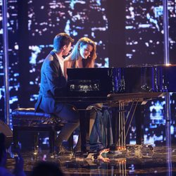 Alfred y Amaia cantando 'City of stars' en la fiesta final de 'OT 2017'