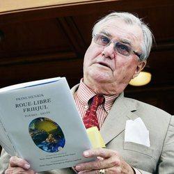 Enrique de Dinamarca leyendo