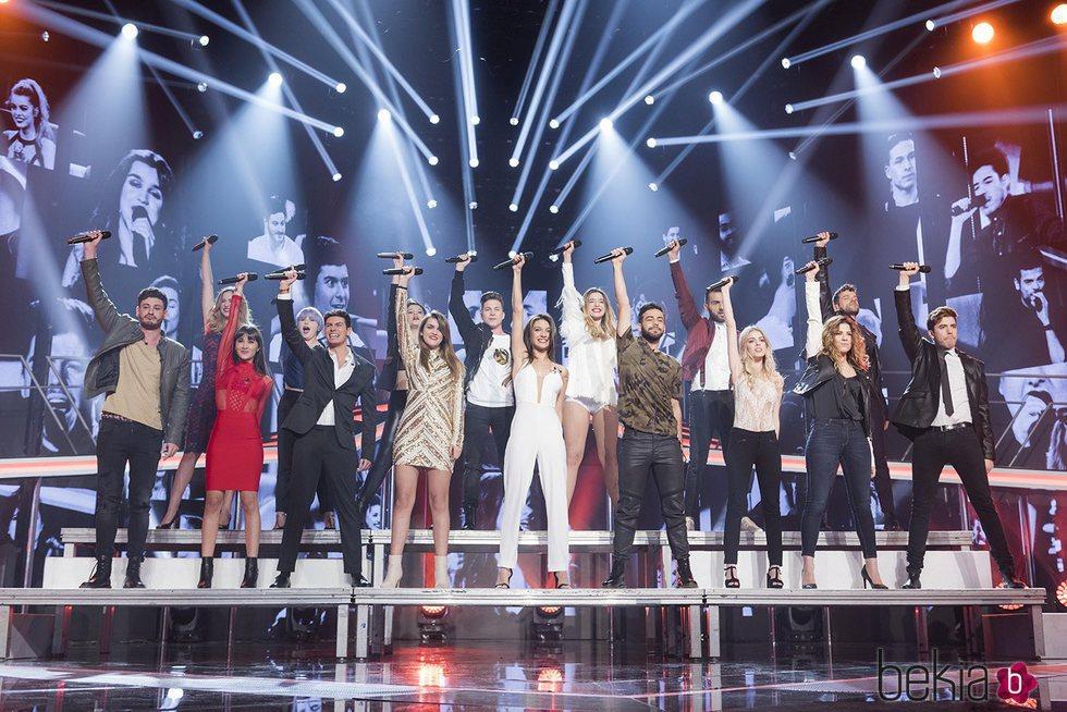 Los concursantes de 'OT 2017' interpretan 'Camina' al comienzo de la fiesta final