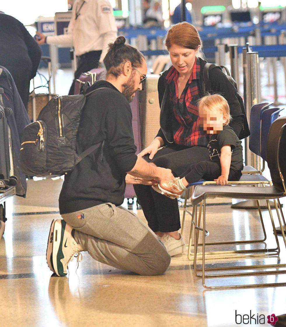 Russell Brand en familia