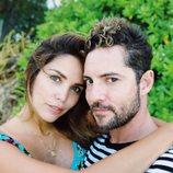 Rosanna Zanetti y David Bisbal posan abrazados