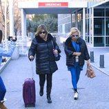 Terelu Campos y Carmen Borrego visitan a su madre en el hospital
