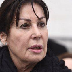 Primer plano de Carmen Martínez-Bordiú, en el entierro de su madre