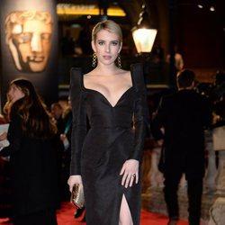 Emma Roberts en la alfombra roja de los Premios BAFTA 2018