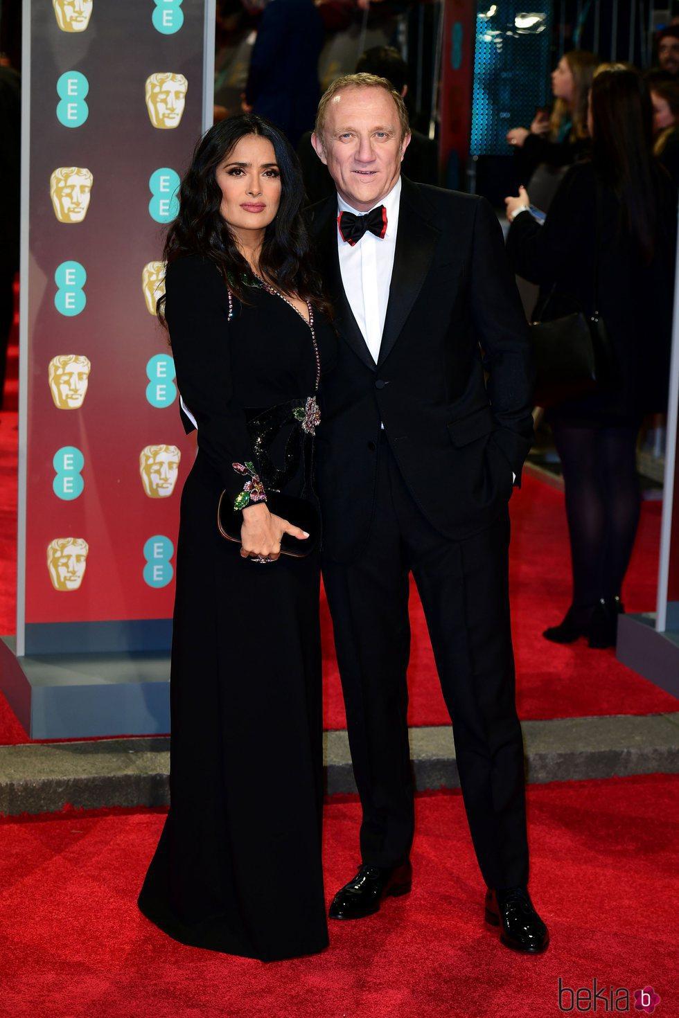 Salma Hayek y Francois-Henri Pinault en la alfombra roja de los Premios BAFTA 2018
