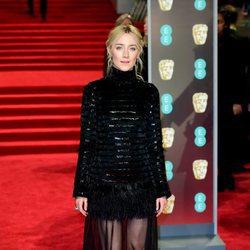 Saoirse Ronan en la alfombra roja de los Premios BAFTA 2018