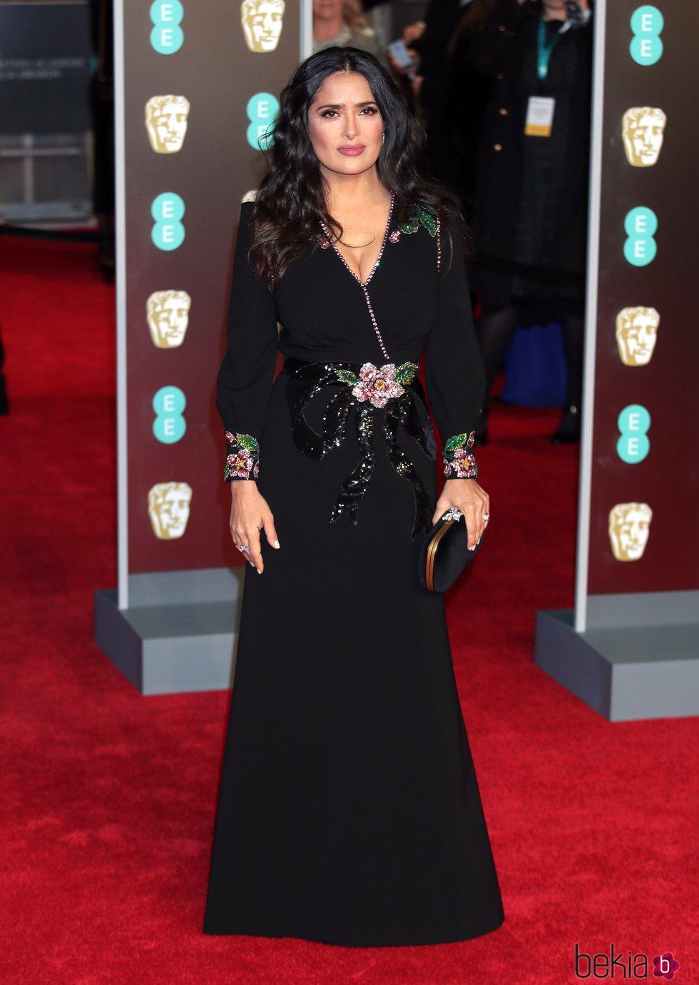 Salma Hayek en la alfombra roja de los Premios BAFTA 2018