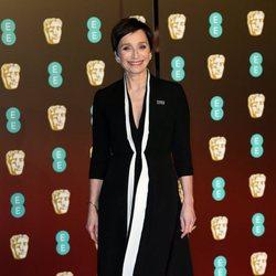 Kristin Scott Thomas en la alfombra roja de los Premios BAFTA 2018
