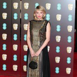 Haley Bennett en la alfombra roja de los Premios BAFTA 2018