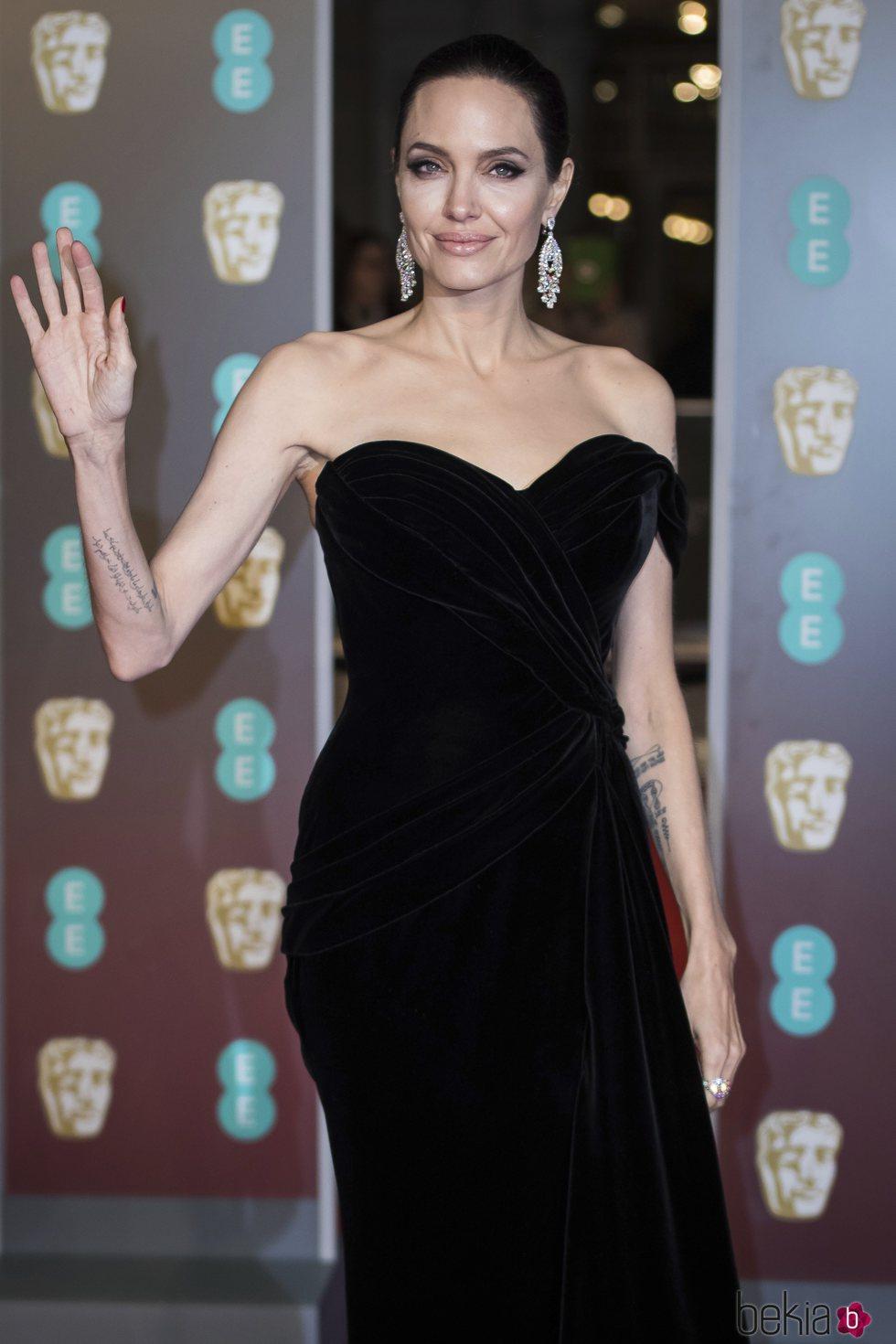 Angelina Jolie en la alfombra roja de los Premios BAFTA 2018