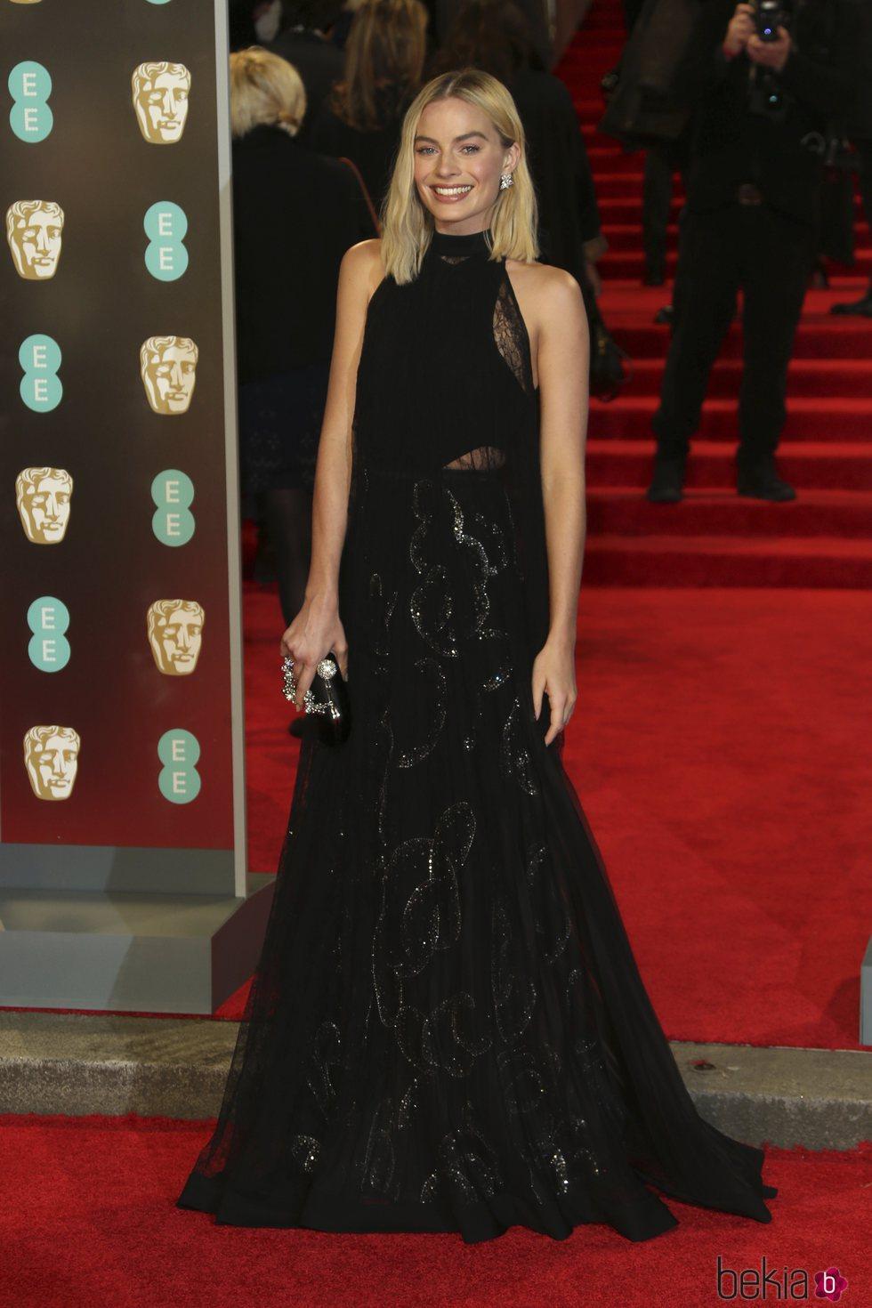 Margot Robbie en la alfombra roja de los Premios BAFTA 2018