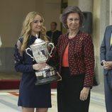 La Reina Sofía entrega el Premio Nacional de Deporte 2016 a Laura Sarosi