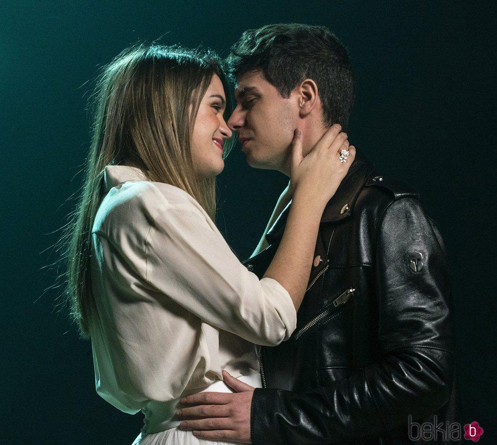 Amaia y Alfred durante la grabación del videoclip 'Tu canción'