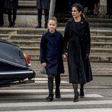 Mary de Dinamarca y la Princesa Isabel en el funeral de Enrique de Dinamarca