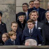 Federico y Mary de Dinamarca con sus hijos, Benedicta de Dinamarca y Constantino de Grecia en el funeral de Enrique de Dinamarca