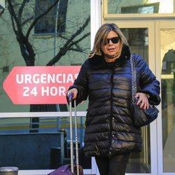 Terelu Campos saliendo del hospital a visitar a María Teresa Campos tras ser operada de una suboclusión intestinal