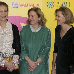 La Infanta Elena, Catalina Luca de Tena y María Dolores de Cospedal en la entrega del Premio Taurino ABC