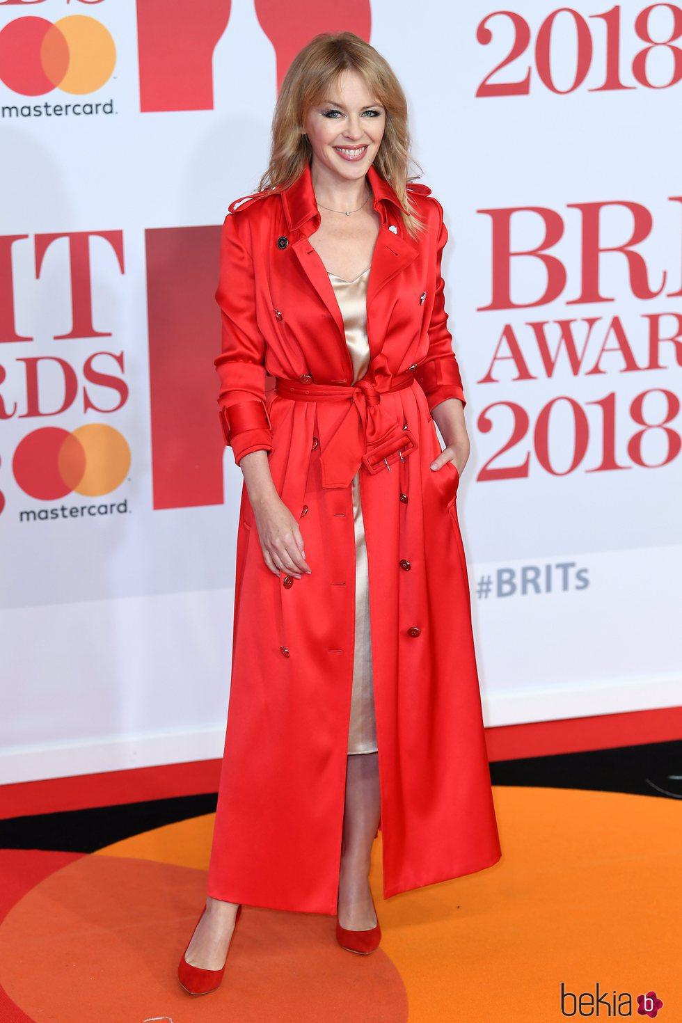 Kylie Minogue en la alfombra roja de los Brit Awards 2018