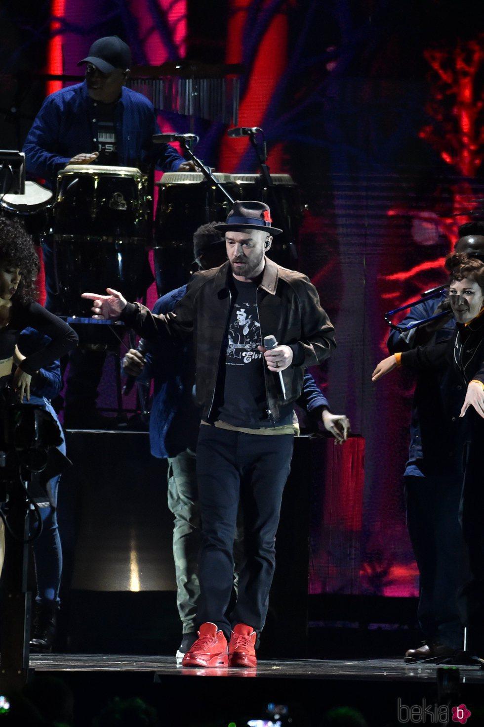 Justin Timberlake interpretando una de sus canciones en los Brit Awards 2018