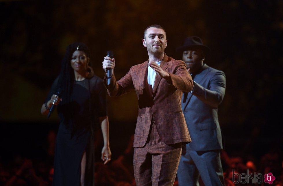 Sam Smith sobre el escenario de los Brit Awards 2018
