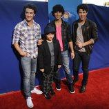 Kevin, Nick, Joe y Frankie Jonas en el estreno de la película 'Ponyo'