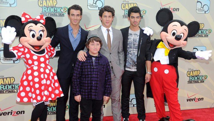 Kevin, Nick, Joe y Frankie Jonas en el estreno de la película 'Camp Rock 2'