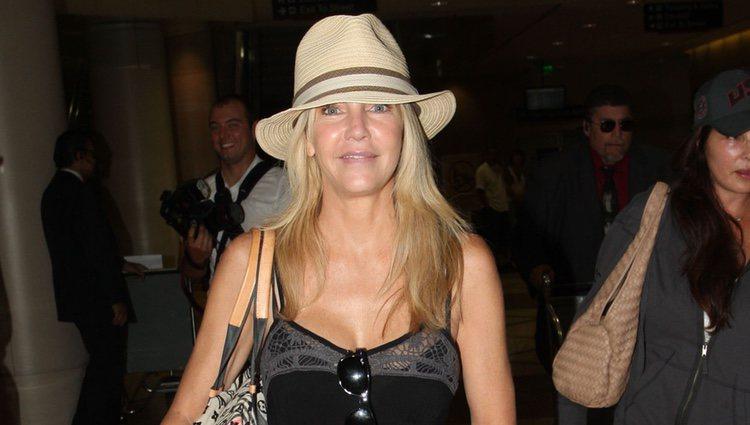 Heather Locklear, regresando del aeropuerto