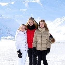 Ariane, Amalia y Alexia de Holanda en su posado invernal en Lech