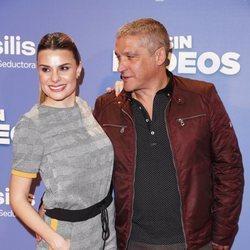 Gustavo González y María Lapiedra, muy cariñosos en la premier de 'Sin Rodeos'