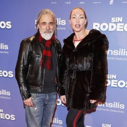 Sergi Arola y Silvia Fominaya en la premier de la película 'Sin Rodeos'