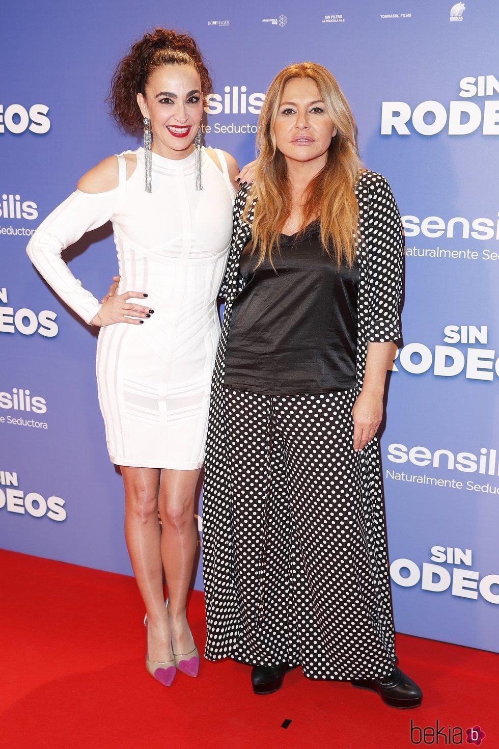 Cristina Rodríguez y Critina Tárrega en la premier de la película 'Sin Rodeos'