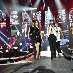 Aitana y Ana Guerra durante los ensayos del primer concierto de la gira de 'OT 2017'