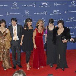 Arantxa Sánchez Vicario junto a sus padres y sus hermanos en los Premios Laureus 2007