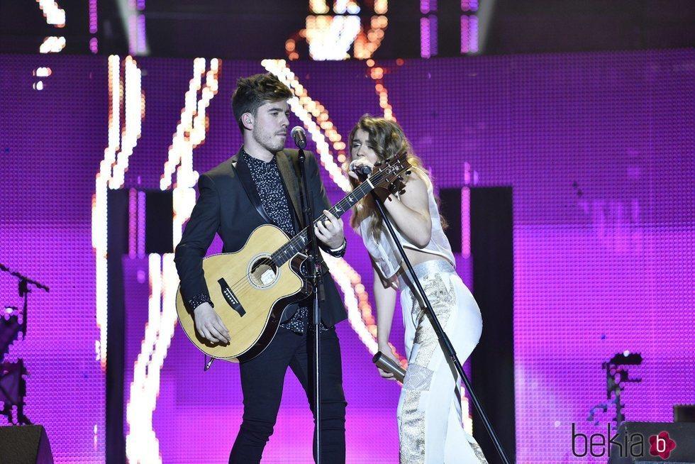 Roi y Amaia en el primer concierto de la gira de 'OT 2017' en Barcelona