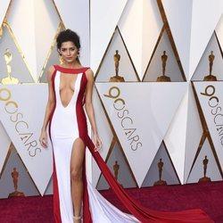 Blanca Blanco posa en la alfombra roja de los Premios Oscar 2018