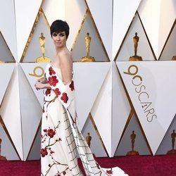 Paz Vega posando en la alfombra roja de los Premios Oscar 2018