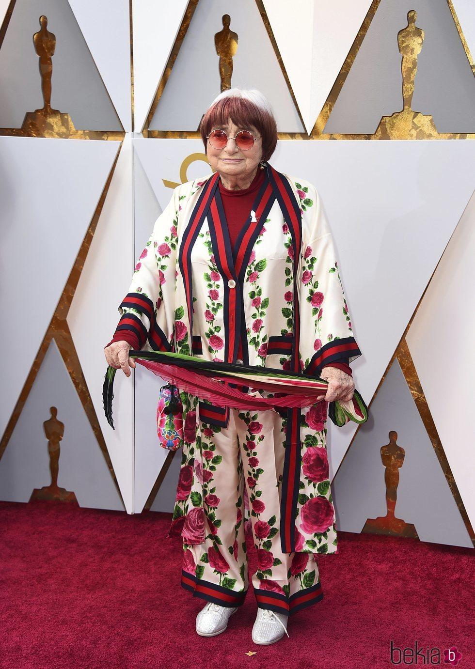 Agnes Varda en la alfombra roja de los Premios Oscar 2018