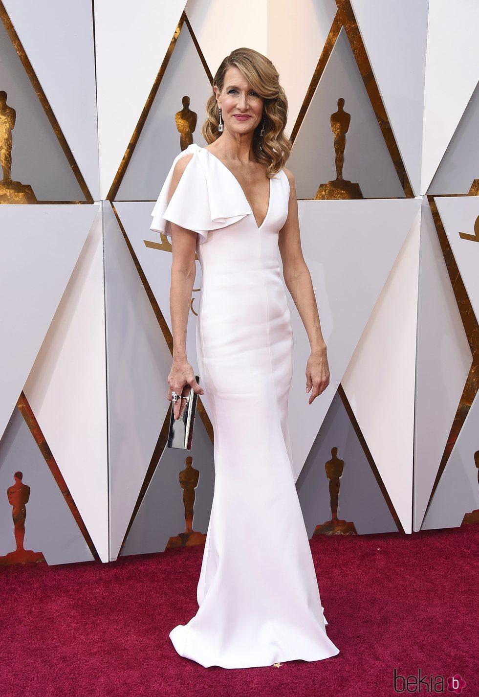 Laura Dern en la alfombra roja de los premios Oscar 2018