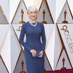Helen Mirren en la alfombra roja de los premios Oscar 2018