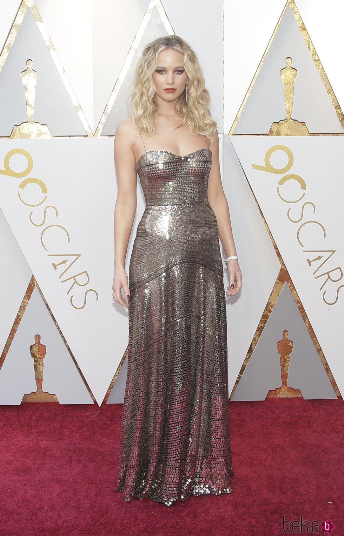Jennifer Lawrence en la alfombra roja de los Premios Oscar 2018