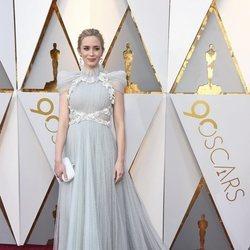 Emily Blunt en la alfombra roja de los Premios Oscar 2018